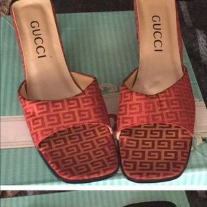 Gucci slides size 9 More like an 8 1/2